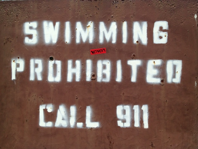 swimming prohibited