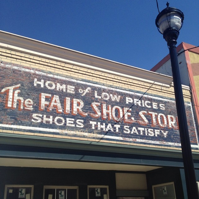 shoe sign
